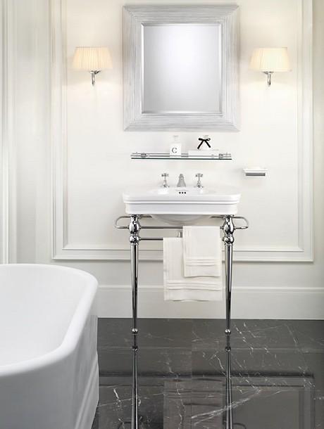 waschtisch rose 3 loch mit konsole von replicata. Black Bedroom Furniture Sets. Home Design Ideas