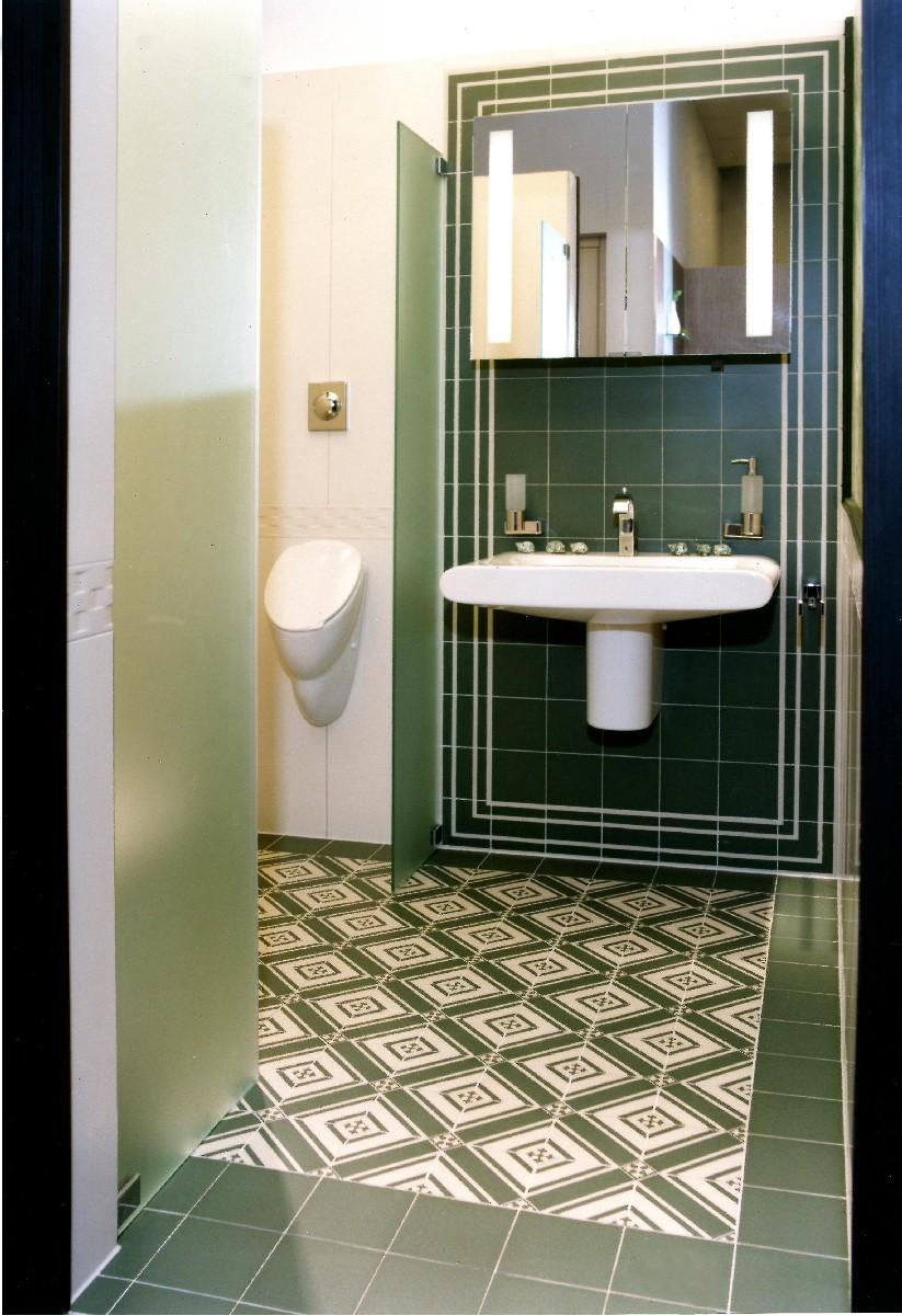 steinzeugfliesen mit historischen dekoren und glatter oberfl che von replicata formsch ne. Black Bedroom Furniture Sets. Home Design Ideas