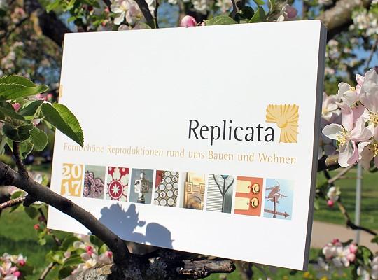 Replicata in sommerlaune fr hlich und bunt f r boden und wand for Boden katalog anfordern