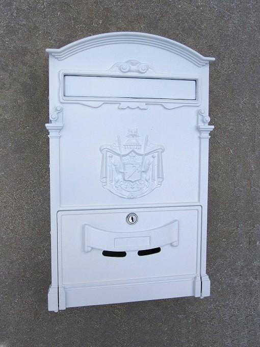 briefkasten wei wandh ngend mit entnahmeklappe von replicata aluguss replikate. Black Bedroom Furniture Sets. Home Design Ideas