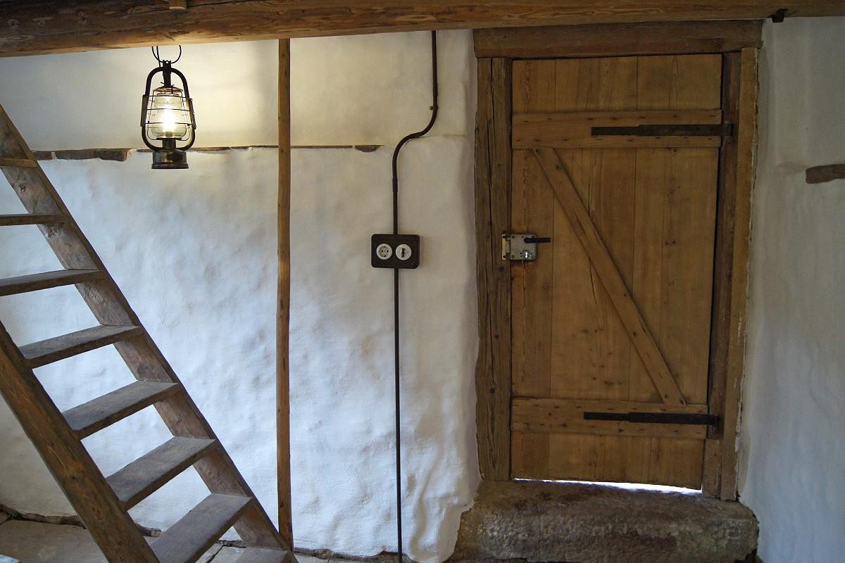 anschlussdose aufputz h1 ro serie colonial venezia von replicata horizontale installation. Black Bedroom Furniture Sets. Home Design Ideas