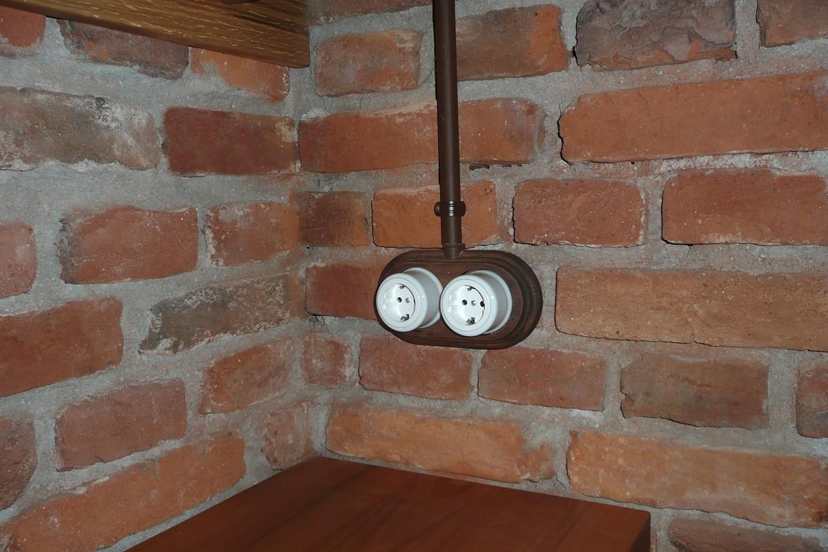 Aufputzschalter Serie GARBY« von Replicata - Schalter und Dosen ...