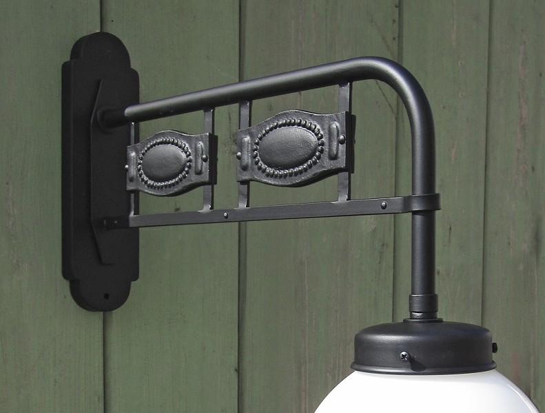 Hoflaterne jugendstil mit glaskugel von replicata for Lampen replikate