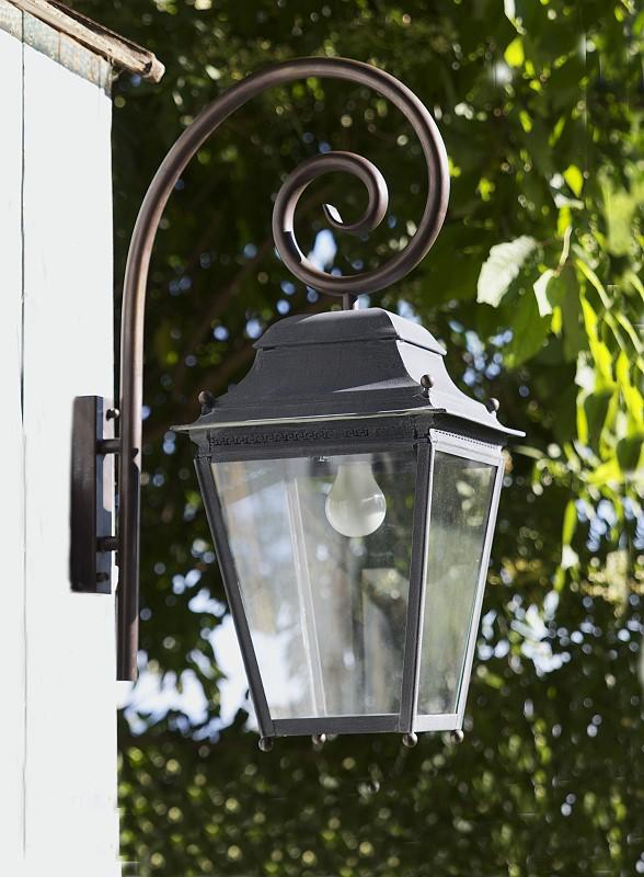 Au enleuchte chantilly mit ausleger von replicata for Lampen replikate