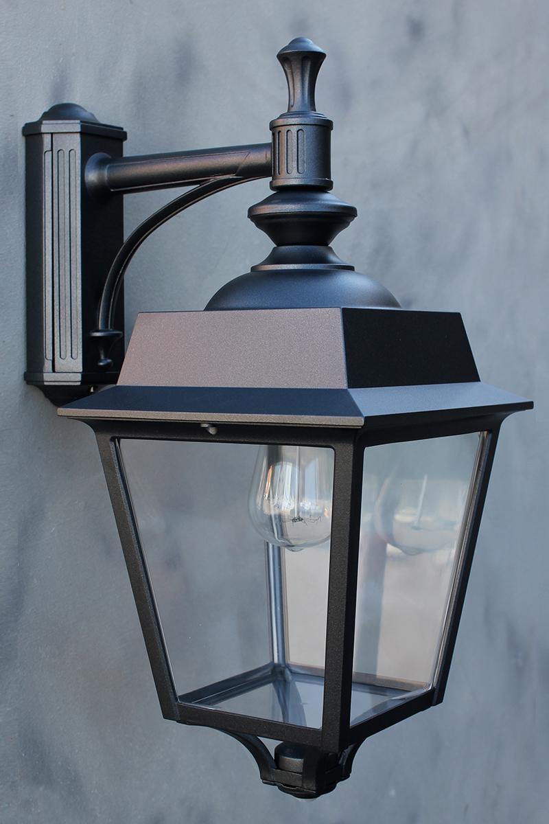 au enleuchte vendomes mit bewegungsmelder von replicata mit ausleger replikate. Black Bedroom Furniture Sets. Home Design Ideas