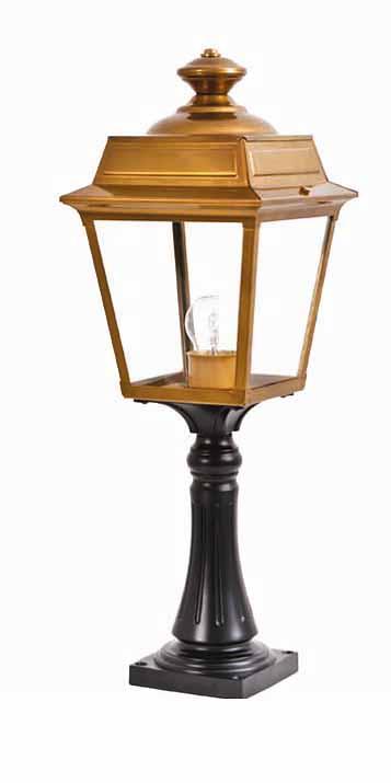 Sockellaterne place vosges 1 von replicata for Lampen replikate