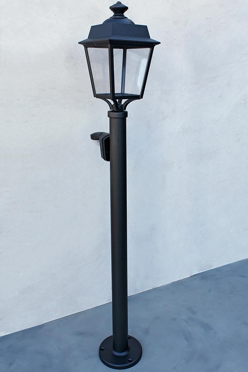 standleuchte vendomes mit bewegungsmelder von replicata aluguss replikate. Black Bedroom Furniture Sets. Home Design Ideas