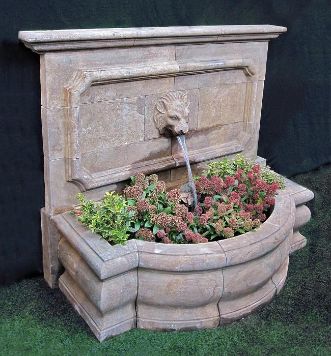 steinbrunnen groß blaustein patiniert« von replicata - höhe 110 cm, Garten und erstellen
