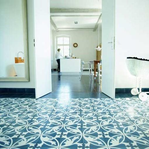 zementfliese muster blumenornament wei blau von. Black Bedroom Furniture Sets. Home Design Ideas